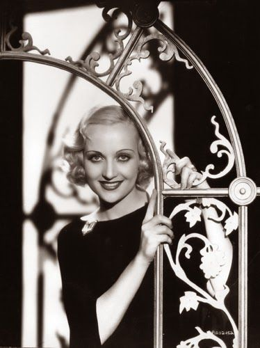 Vintage Glamour Girls: Carole Lombard