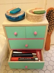 Minimalist makeup storage tips! & Minimalist makeup storage tips! | Cast Cocotte Blog | Pinterest ...