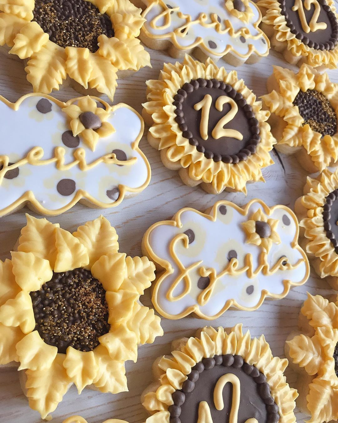 "Gimme Sugars Cookies on Instagram: ""🌻 🌻 🌻 . . . #sunflowercookies #sunflower #cookies #sugarcookies #decoratedsugarcookies #decoratedcookies #cookieart #cookieartist…"""