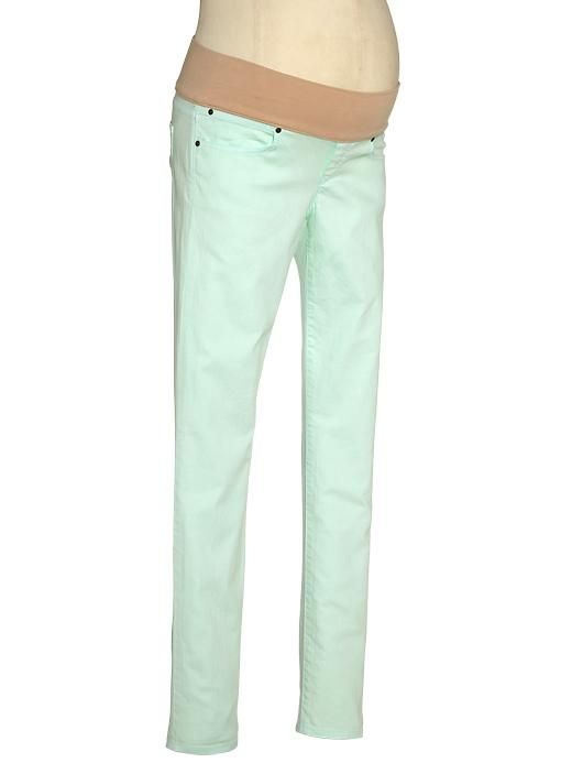 b1546f7c77823 We love the color of these Gap jeans! | Maternity Fashion ...