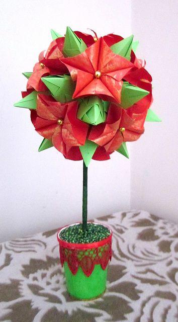 Poinsettia On Tornillo Poinsettia Origami And Christmas Origami