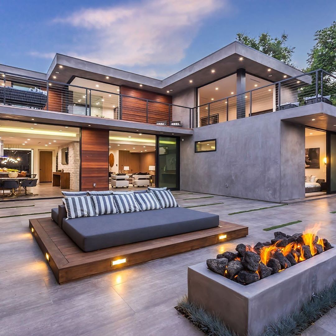 Trillionairegang On Instagram Welcome Home Via Featuredproperties For More Follow Trillionairegang P Mansions Homes Luxury Homes House Living rights to a house