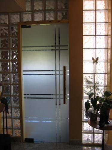 Cristal templado puertas pinterest for Puerta cristal templado