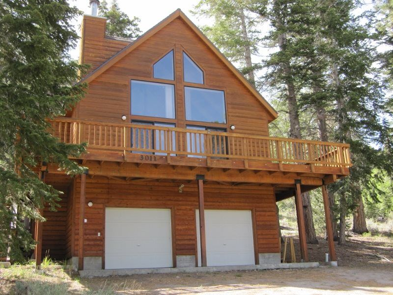 One Of The Most Desirable Cabin Rentals In The June Lake Loop June Lake Lake Cabins Lakefront Cabin Rentals