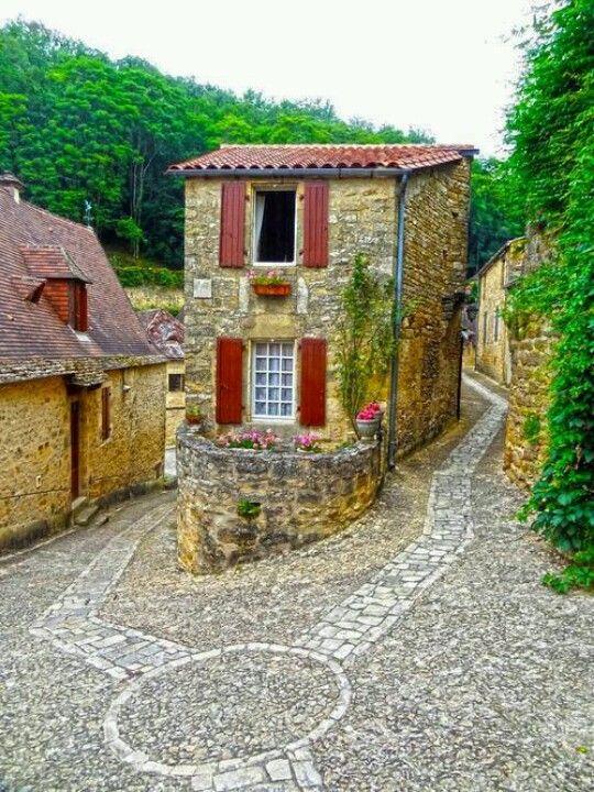 Midevil village. Baynac, Dordugen, France