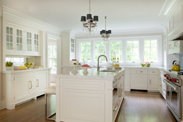 Best White Kitchen Features Bank Of Windows Over White Base 400 x 300