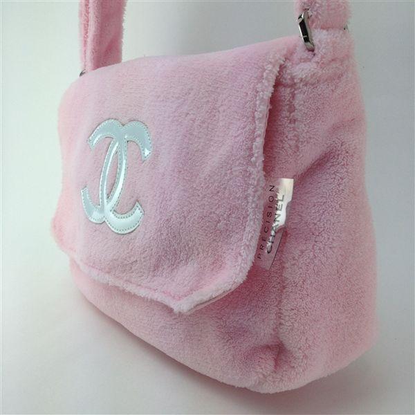 e08d20d62a1114 Chanel Precision faux fur bag | Arm candy in 2019 | Fur bag, Bags ...
