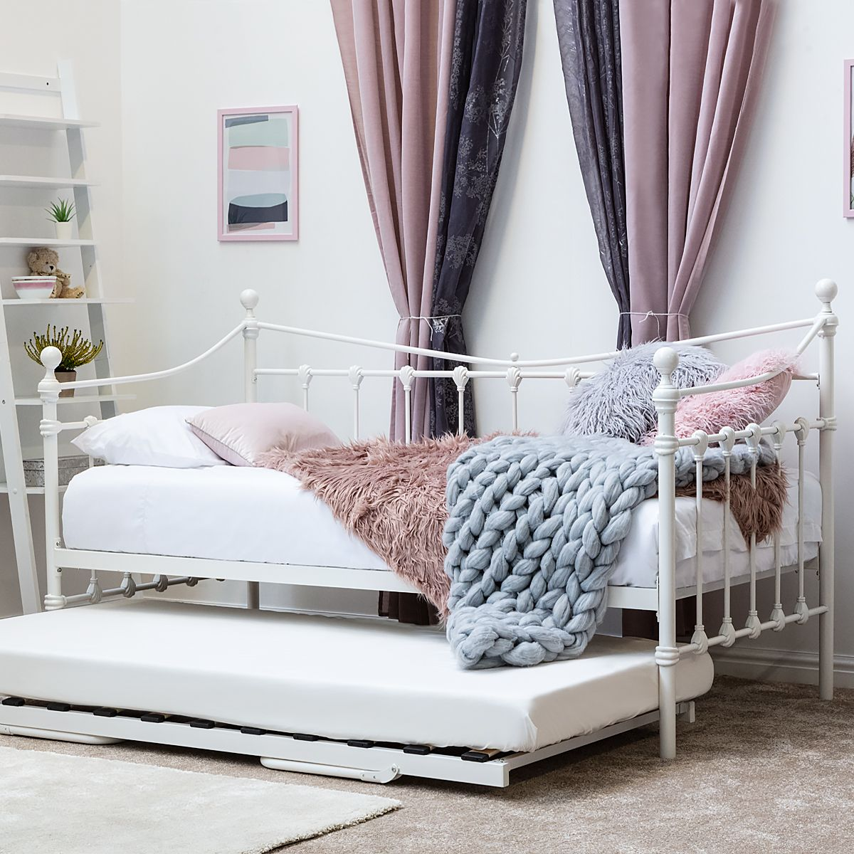 Knebworth White Metal Day Bed With Optional Guest Trundle Bed