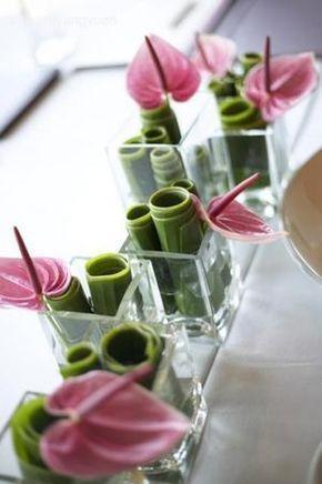 Photo of Se på bildet av lite håndverk med tittelen vakker blomsterdekorasjon med …