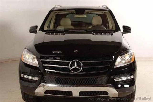 2013 Mercedes-Benz M-Class ML3504MATIC AWD ML350 4MATIC 4dr SUV SUV 4 Doors Black for sale in Bedford, OH Source: http://www.usedcarsgroup.com/used-mercedesbenz-for-sale-in-bedford-oh