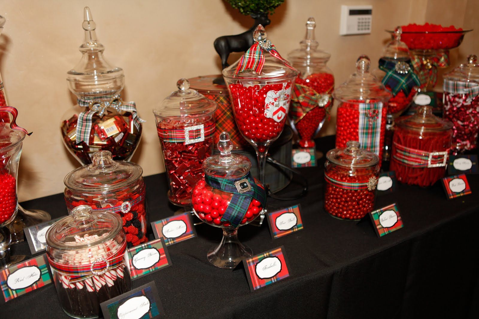 #wedding #reception #candy #table #red #creative More