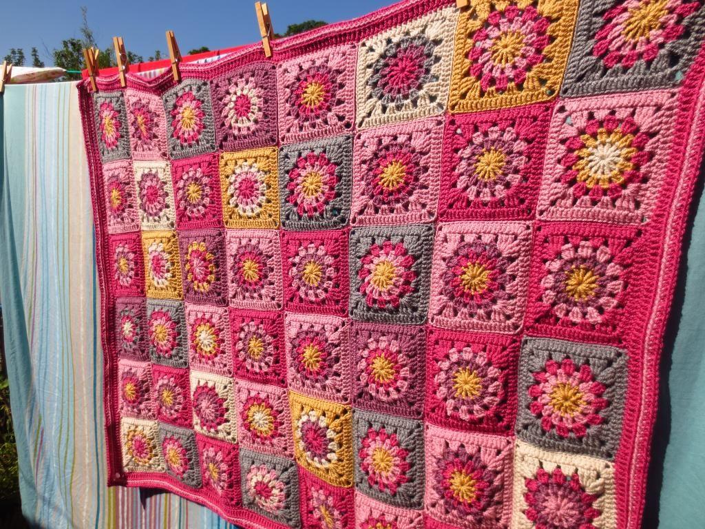 Honey & Roses Blanket « Little Tin Bird   Crochet Blocks and Squares ...