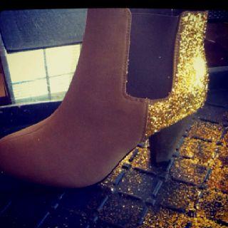 DIY glitter boots  www.danivallis.wordpress.com