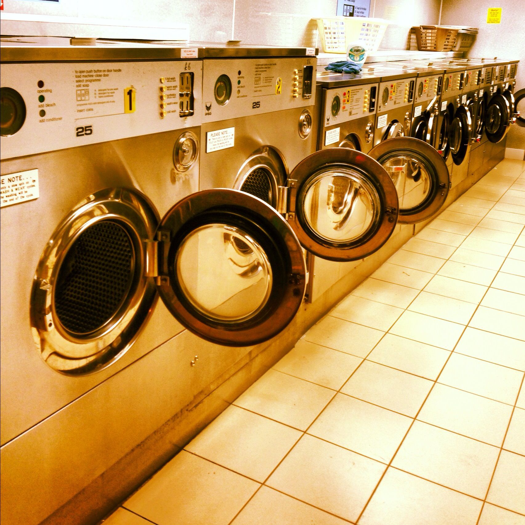 my beautiful laundrette Laundry shop, My beautiful