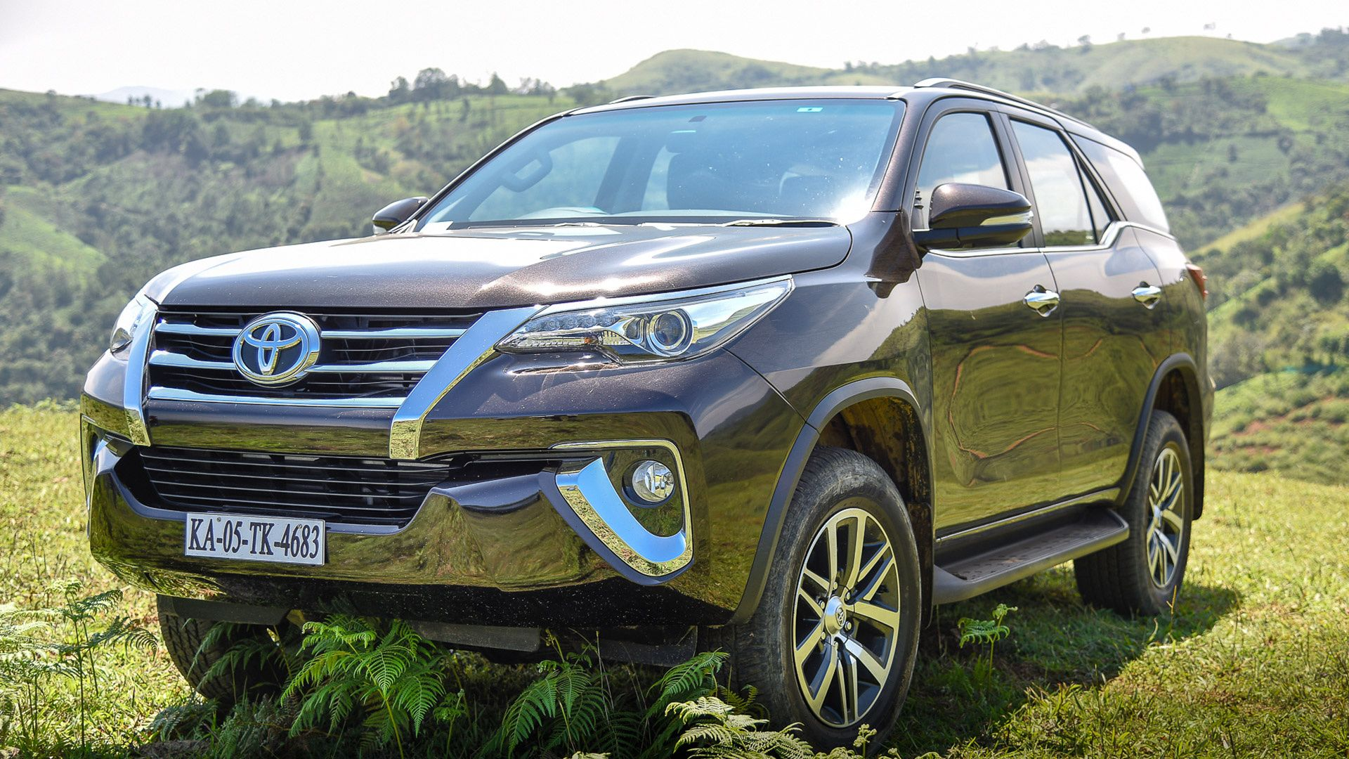 Toyota Fortuner 2018 Price Mileage Reviews Specification Toyota New Toyota Land Cruiser Electric Cars In India
