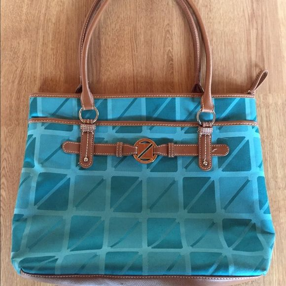 Nine And Co Handbag In Excellent Condition Love This Great Color