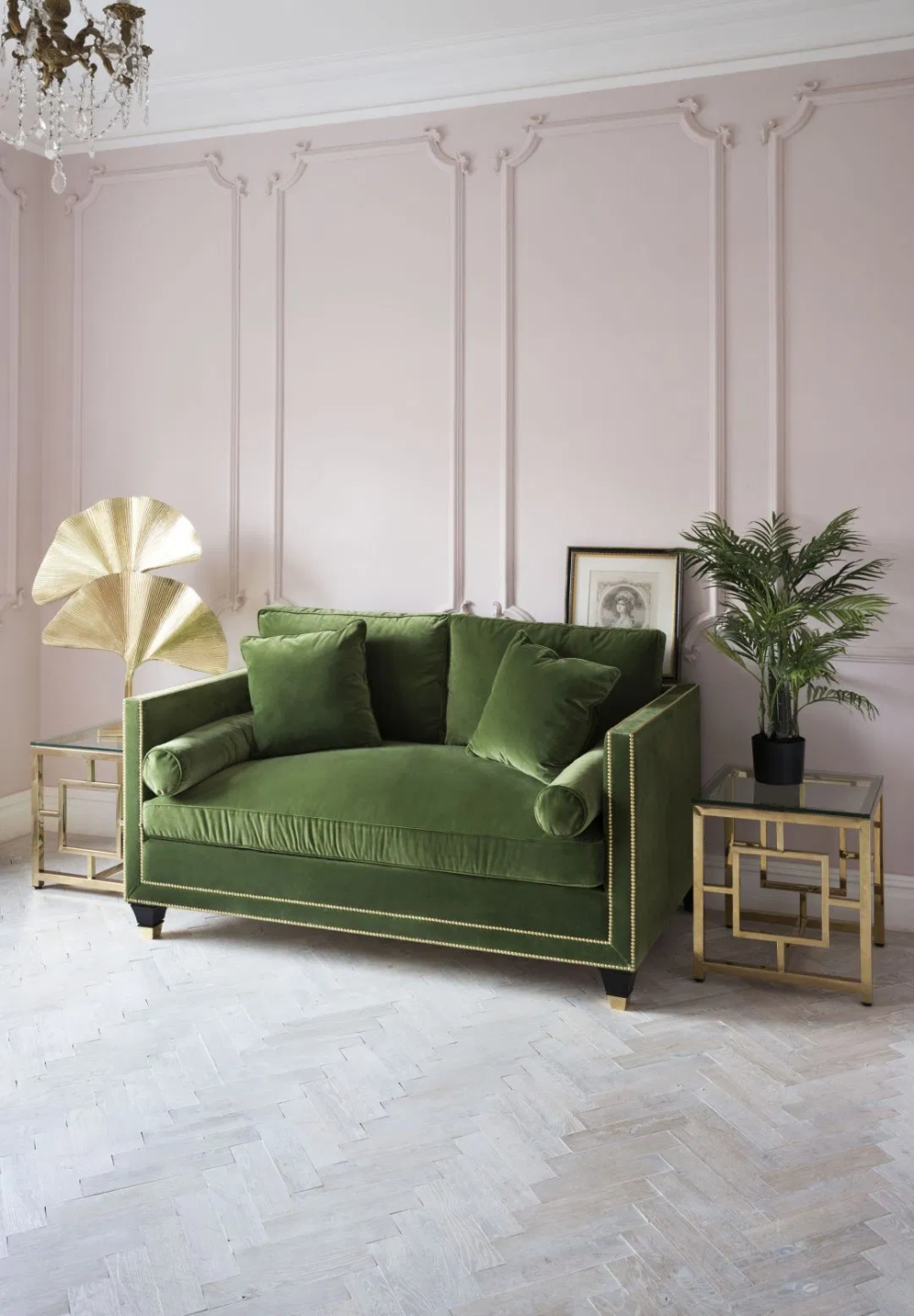 Pink And Green Rooms We Adore Alpha Kappa Alpha Decor Black Southern Belle Art Deco Living Room Art Deco Style Interior Interior Deco
