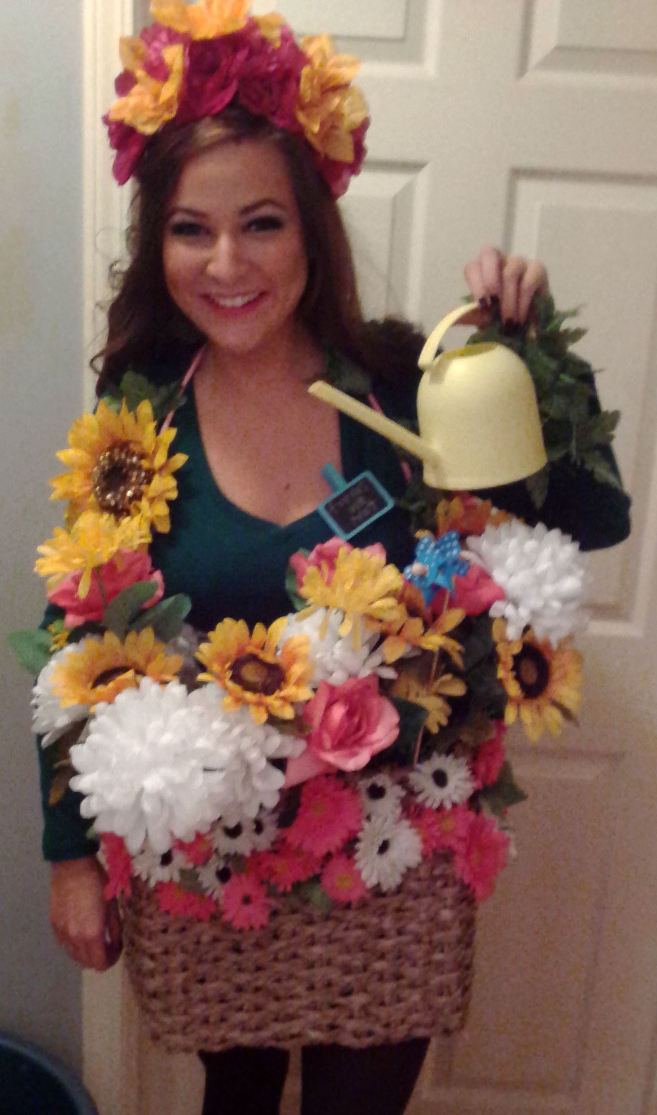 homemade Flower pot halloween costume! Used the watering can to ...