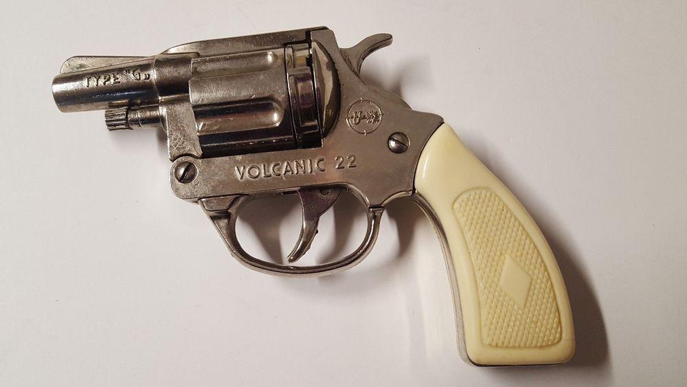 Volcanic Model V22 Starter Pistol Made in Italy Vintage
