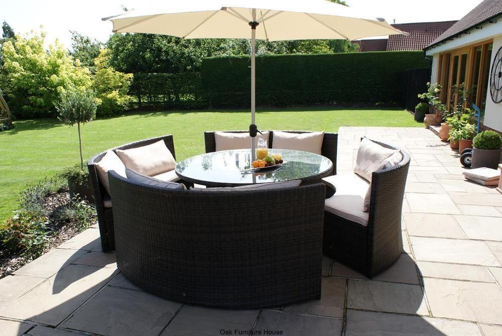 New York Rattan Outdoor Garden Furniture Round Table Sofa Parasol Set