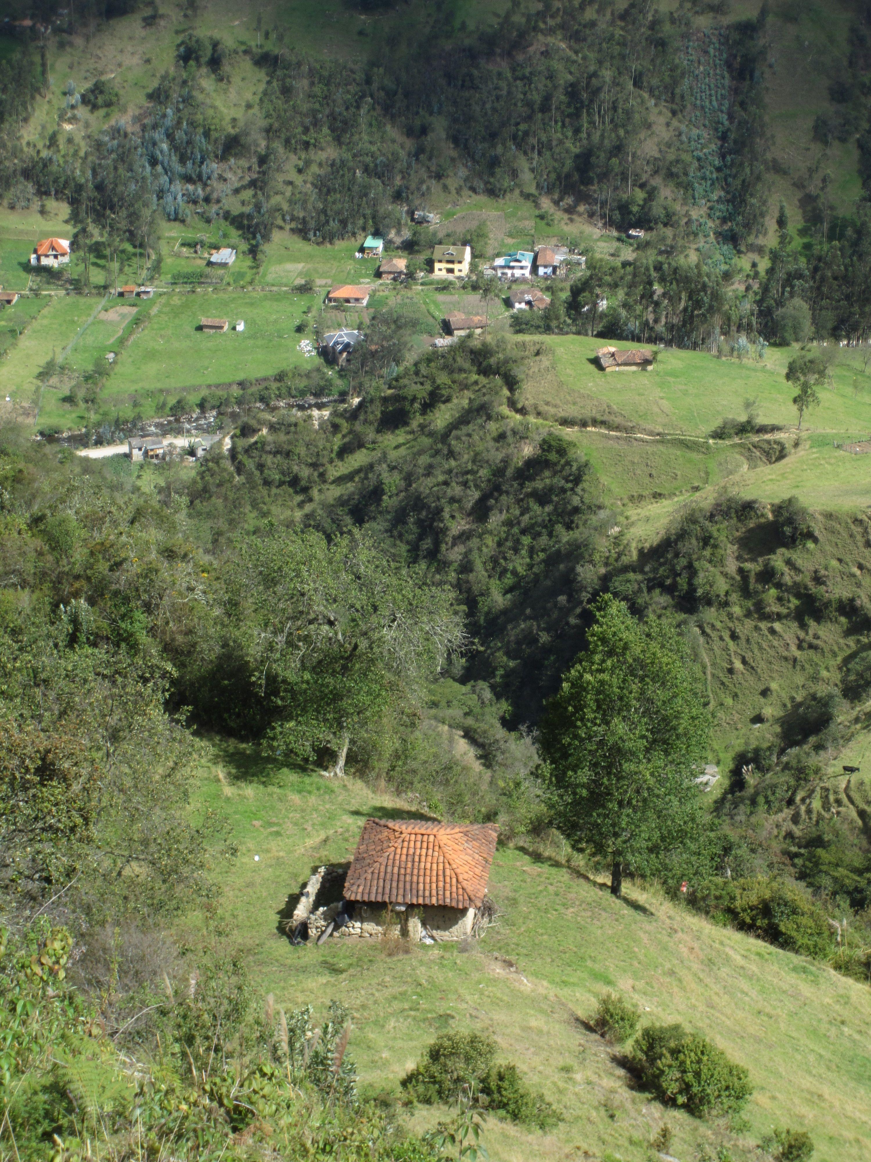 Why I Love Cuenca S Parque Calderon Ecuador Travel Cuenca Ecuador
