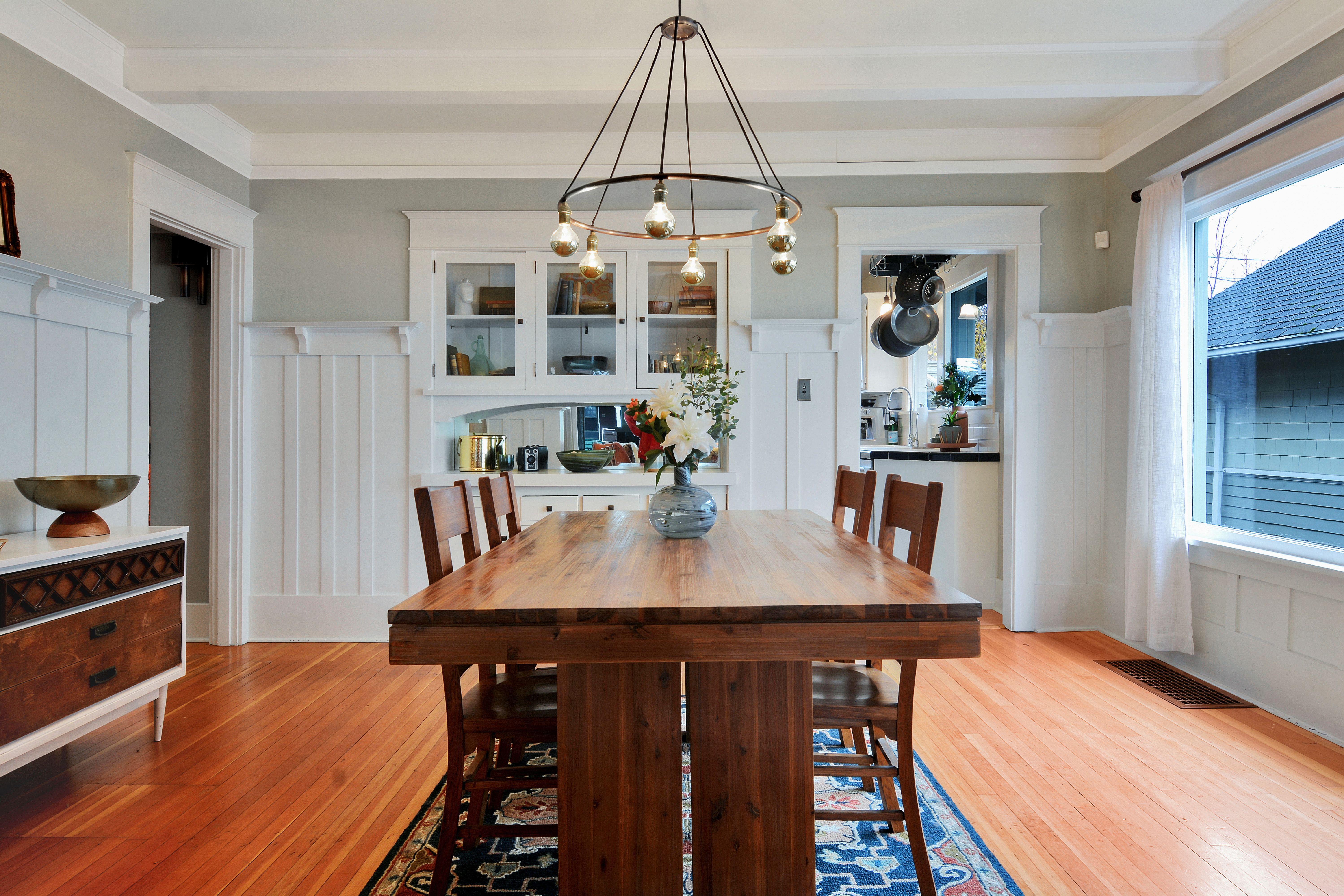 Sold Classic Craftsman Bungalow Michael Duggan Tacoma Homes Craftsman Dining Room Craftsman Bungalow Interior Bungalow Dining Room
