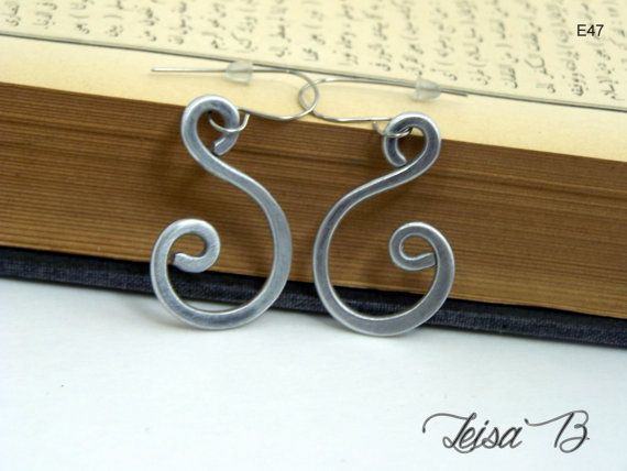 Open Swirl Earrings in shiny silver aluminum Very by leisab