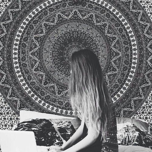 Mandala Black And White Wallpaper