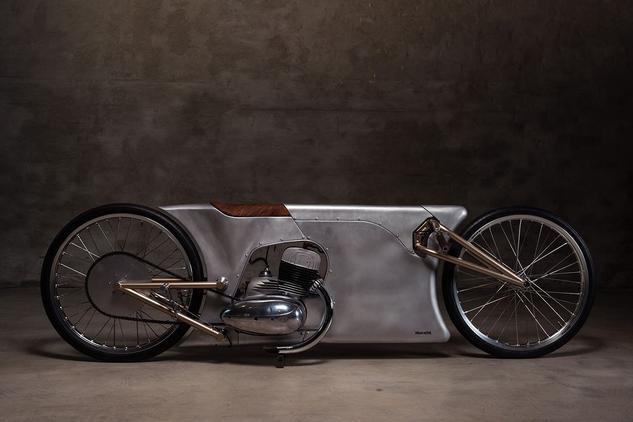 Steampunk motorcycle: A Jawa 350 built by Urban Motor of Berlin for the Glemseck 101 sprint races.