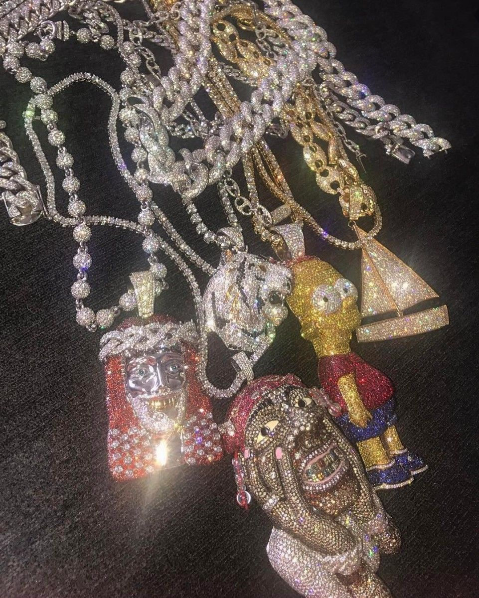 da79be0b3 A collection of custom chains for Lil Yachty. Photo:  @rafaelloandco/Instagram