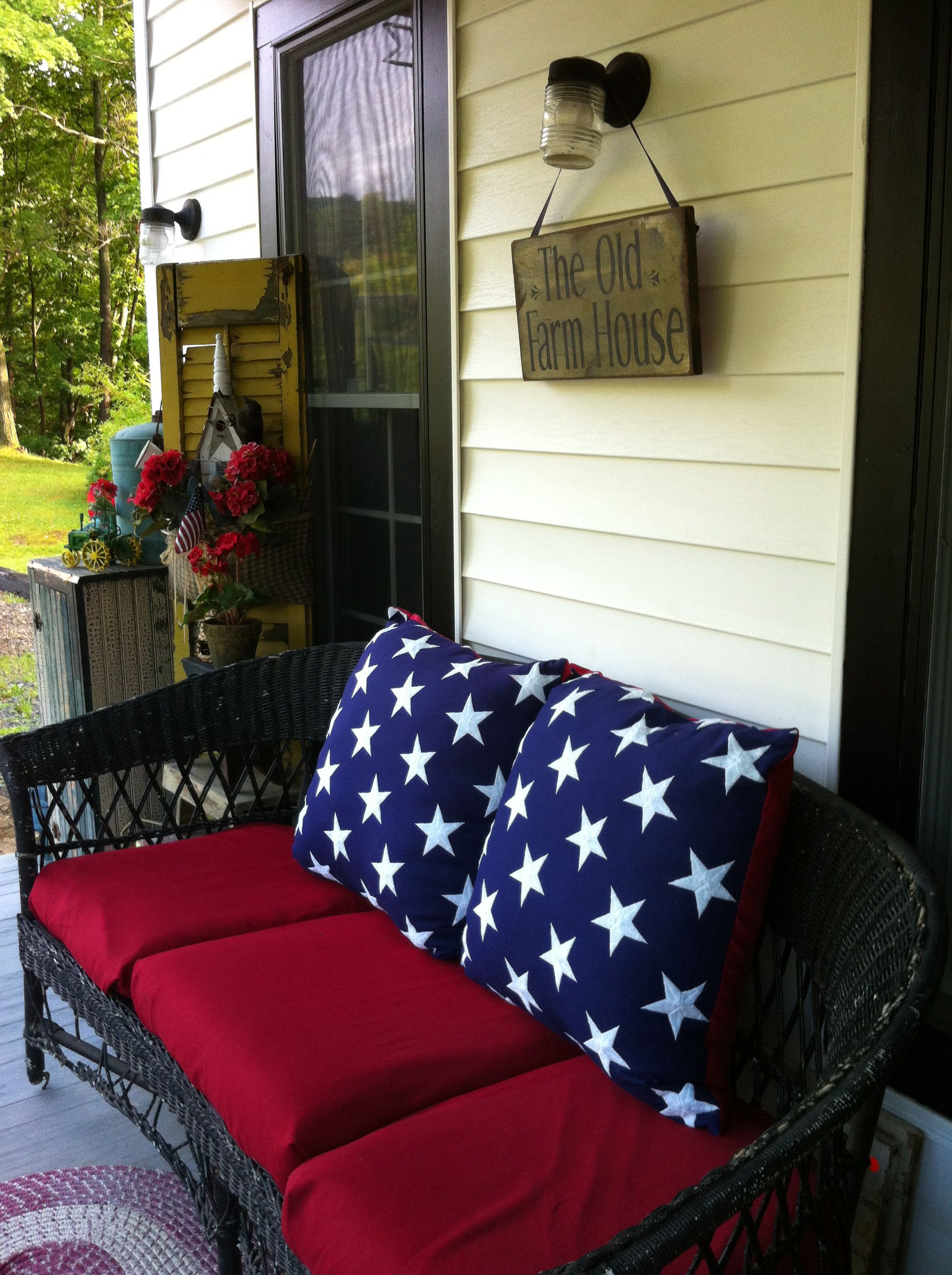 Perfect idea for Memorial Day, thru Independence Day porch decorating!
