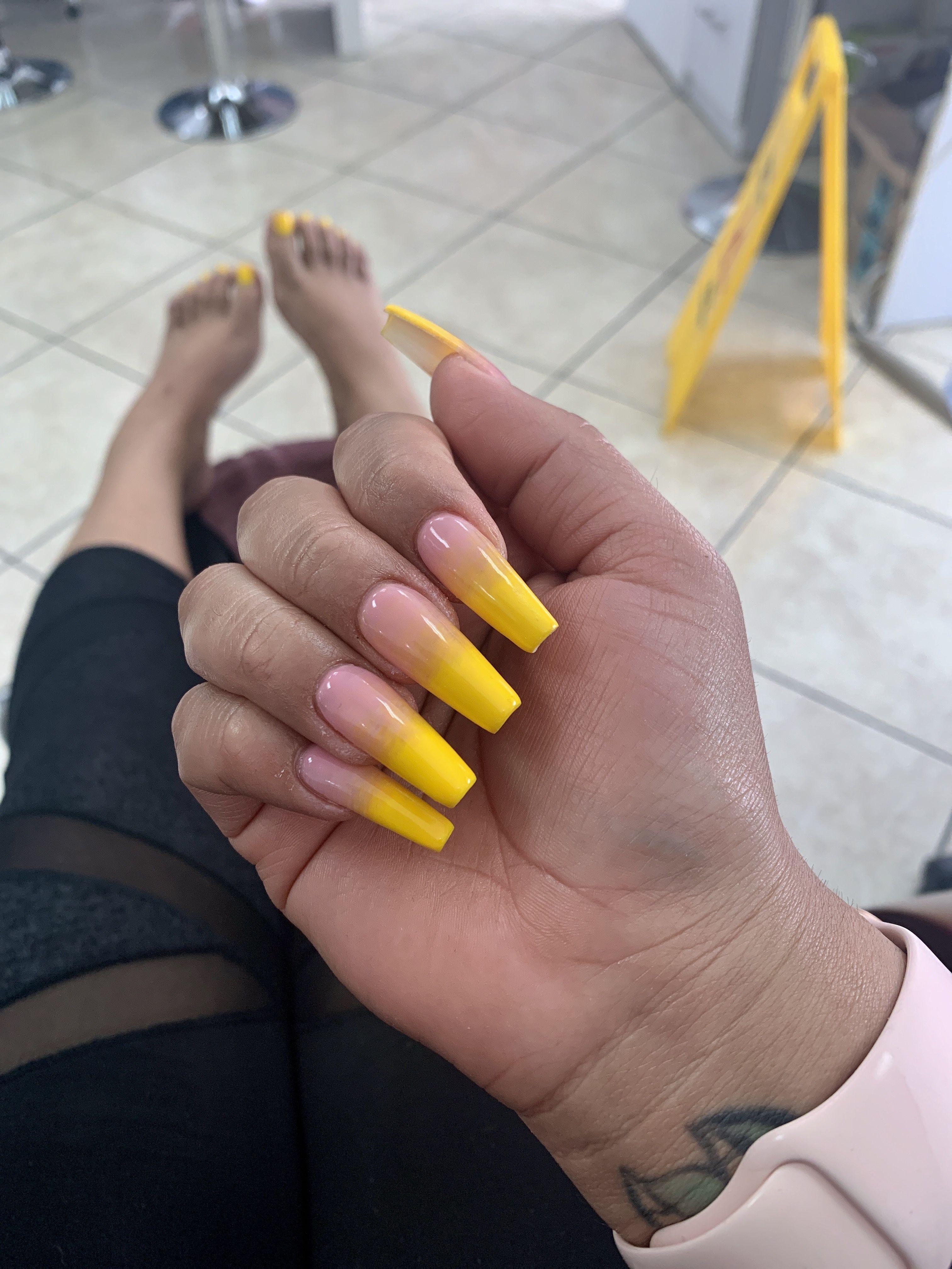 Yellow Ombre Nail Soft Nails Nail Shapes Squoval Nails