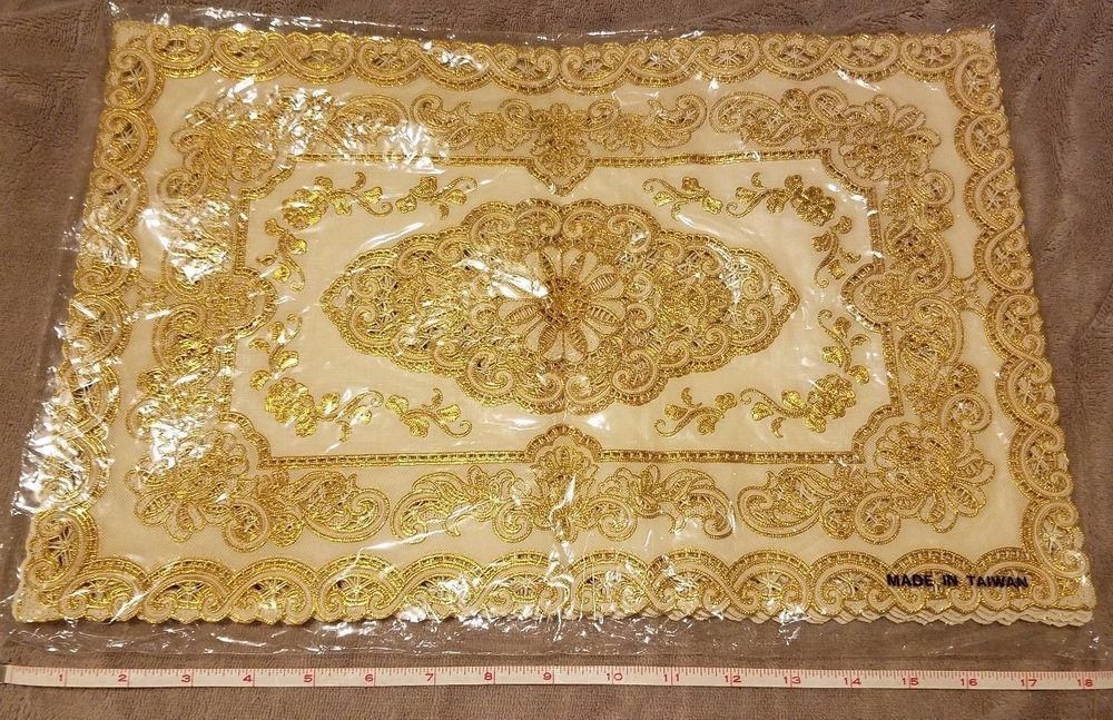 NOS 6 Beautiful Gold Lace / Flower Dining Plastic Cloth Placemats Easy Clean! #Unbranded