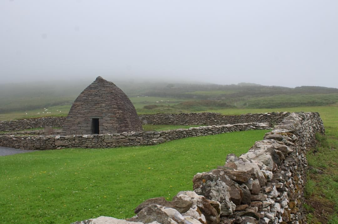 Gallarus Oratory County Kerry Ireland Gallarusoratory Countykerry Kerry Dinglepeninsula Architecture History With Images County Kerry Oratory Travel Photography