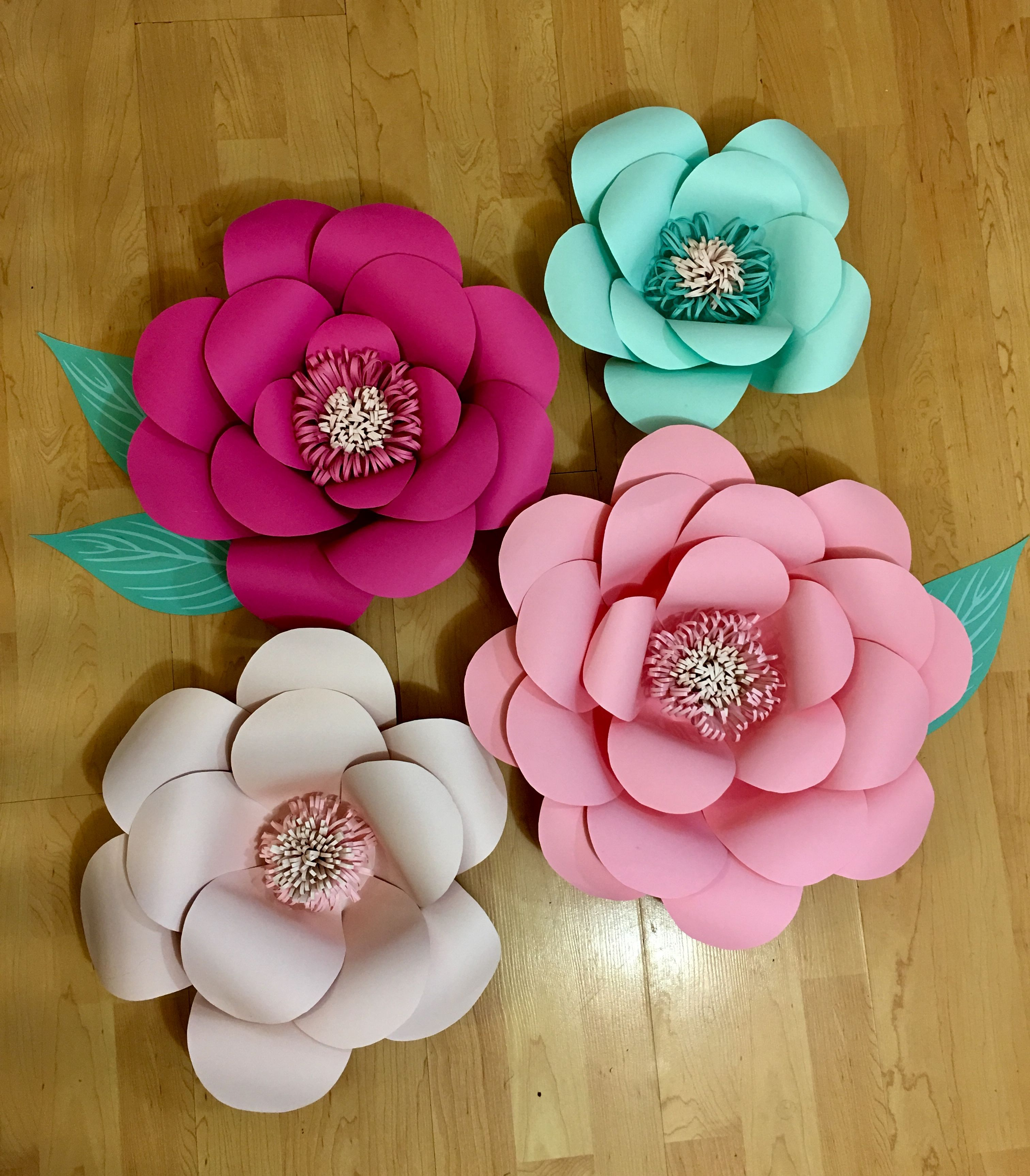 Giant paper flowers made by Marnie Kirsch Kid s Room