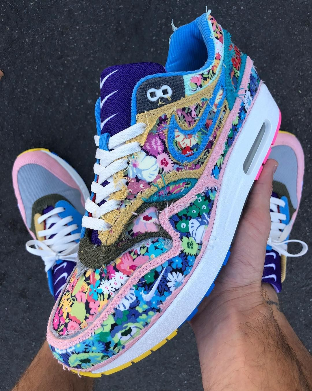 """39d45b00f29211 Sean Wotherspoon on Instagram  """"🌺🌻🌼🌸🌷🌹💐"""""""