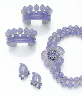 The chalcedony jewellery made for the Duchess of Windsor by Suzanne Belperron.