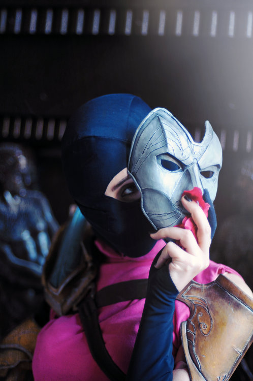 Female Jhin Cosplay By Orobas Cosplay Cosplay In 2019 Cosplay