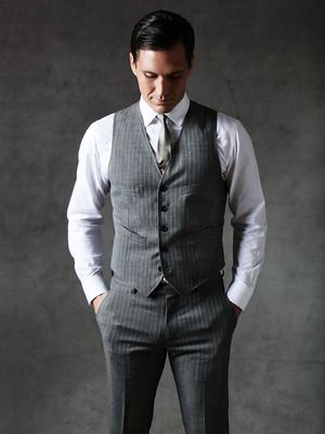 """Aug 07, · """"Banana Republic has always been a destination for the perfect white shirt, trench, cardigan and suiting, which really sums up the style of 'Mad Men,'"""" says the chain's Mr. Kneen."""
