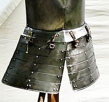 Faulds (armour) - Wikipedia, the free encyclopedia. Faulds are a piece of plate armour worn below a breastplate to protect the waist and hips. They take the form of bands of metal surrounding both legs, potentially surrounding the entire hips in a form similar to a skirt.