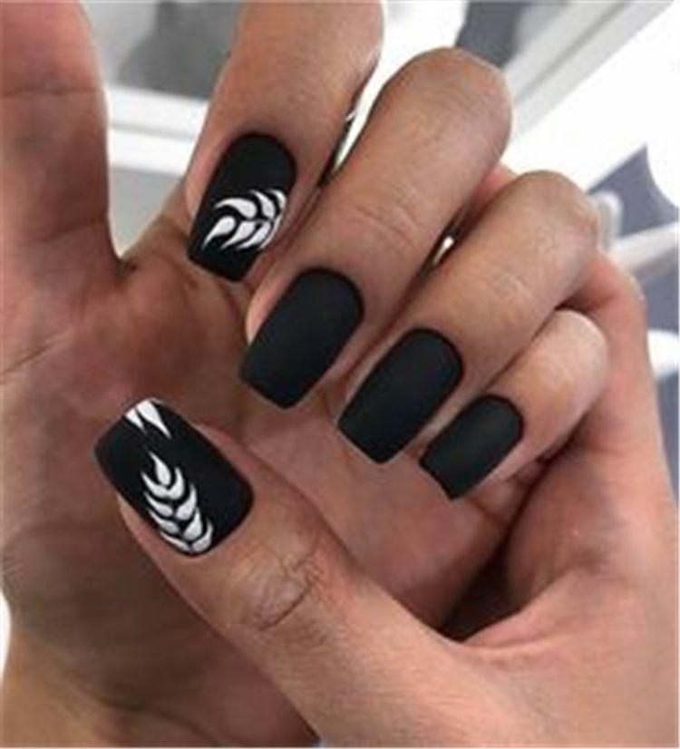 65 Chic And Trendy Black Square Nail Art Designs For Your