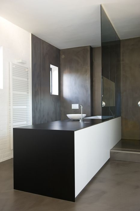 Streamlined contemporary bathroom layout. Sleek and beautiful!