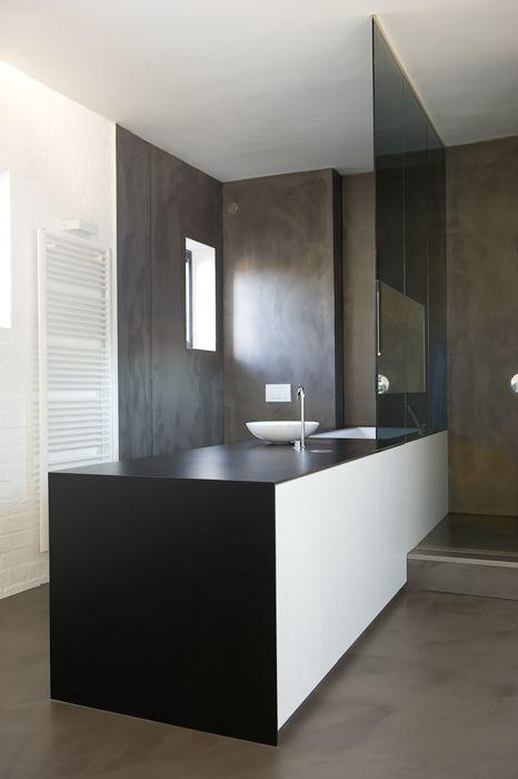 Streamlined contemporary bathroom layout. Sleek and beautiful!