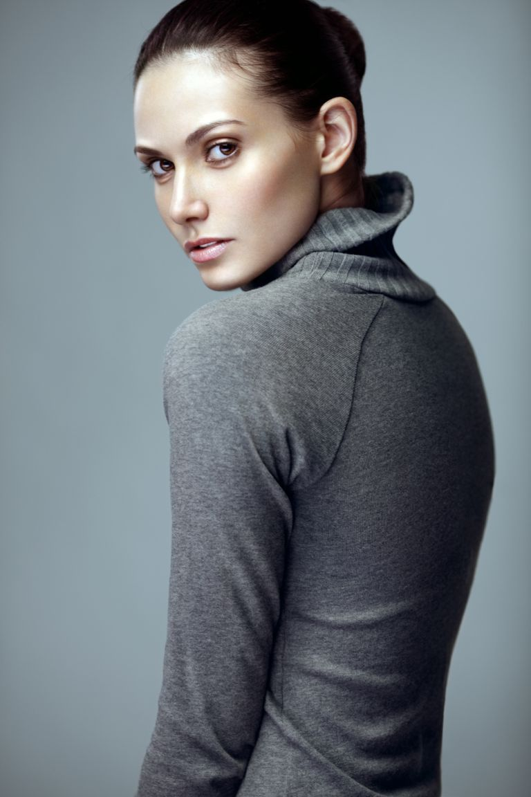 Model Posing Over Shoulder Model Photography Female Model Poses Poses