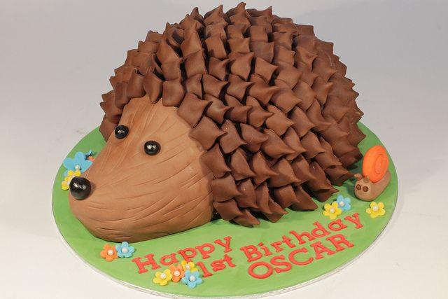 Hedgehog Cake cakepins.com