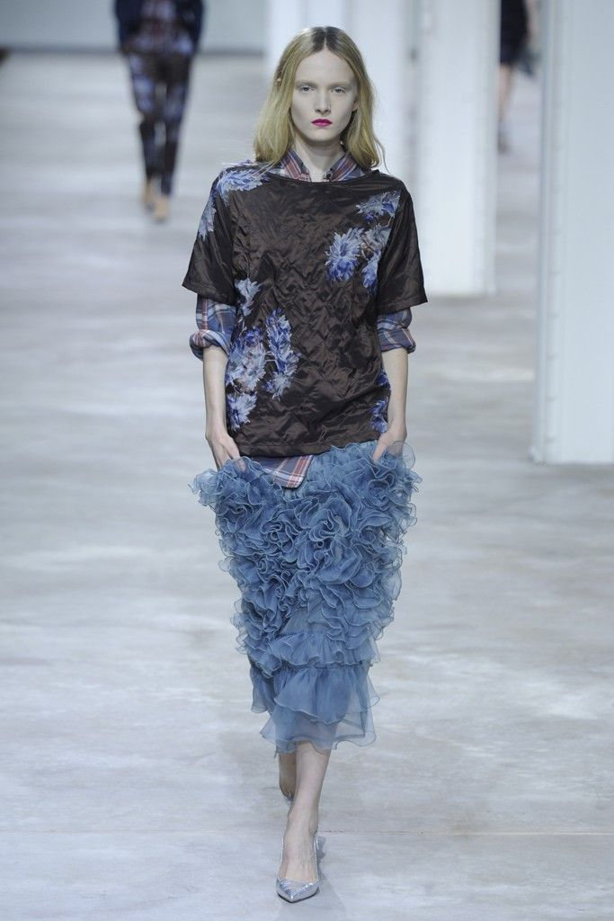 Dries Van Noten RTW Spring 2013 - Runway, Fashion Week, Reviews and Slideshows - WWD.com