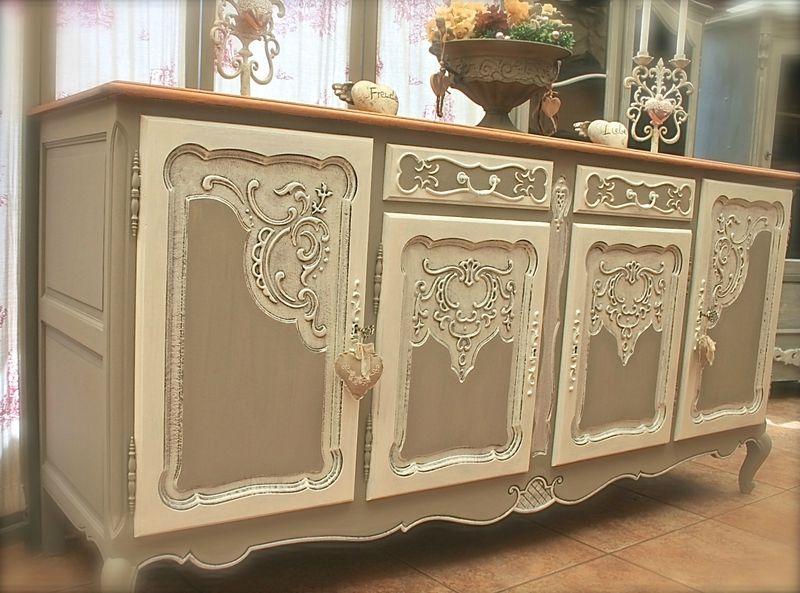 Ravissante commode dressoir bahut meuble en chêne sculpté et bien