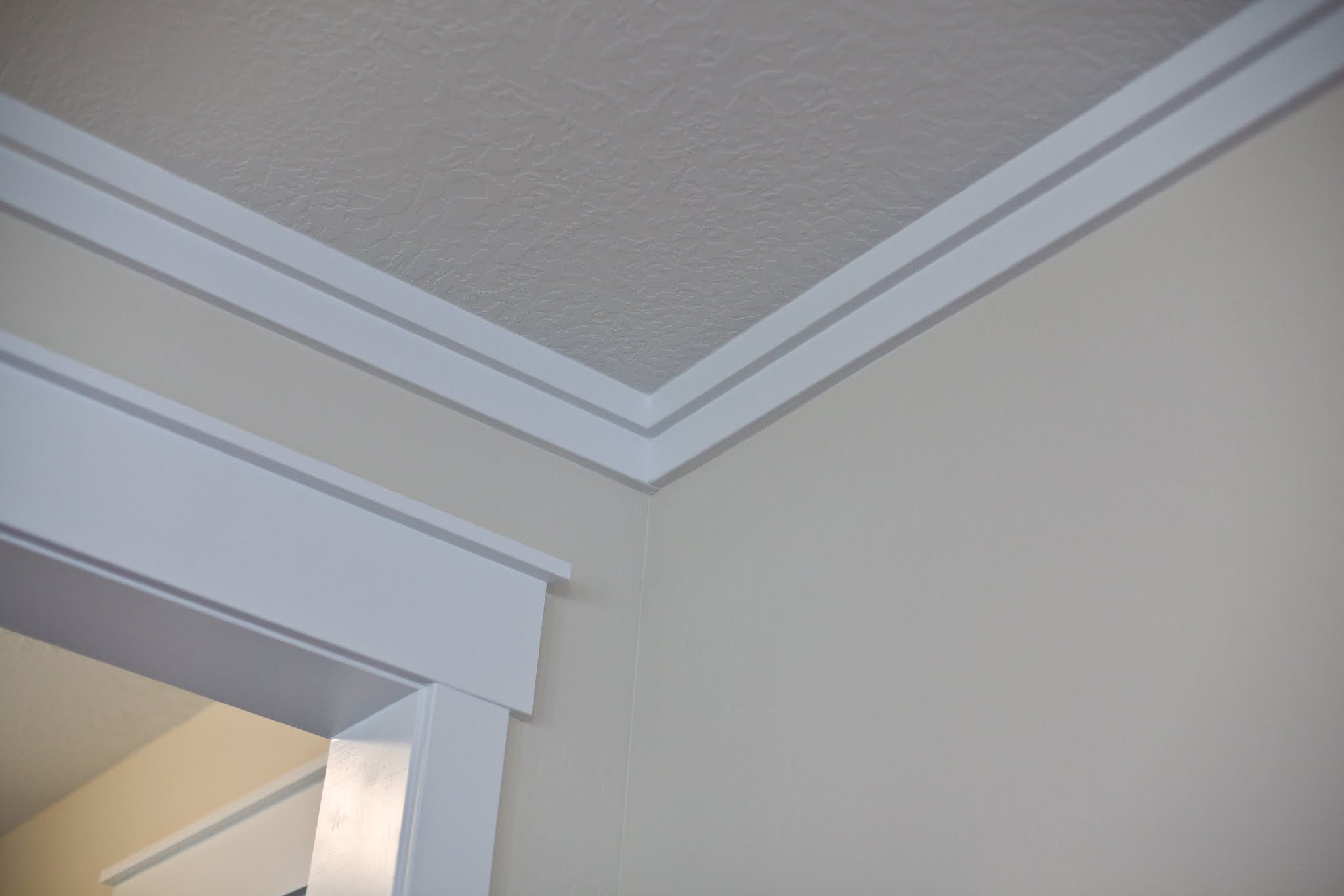 Easy trim instead of crown molding 39 fake 39 crown aka for Simple ceiling