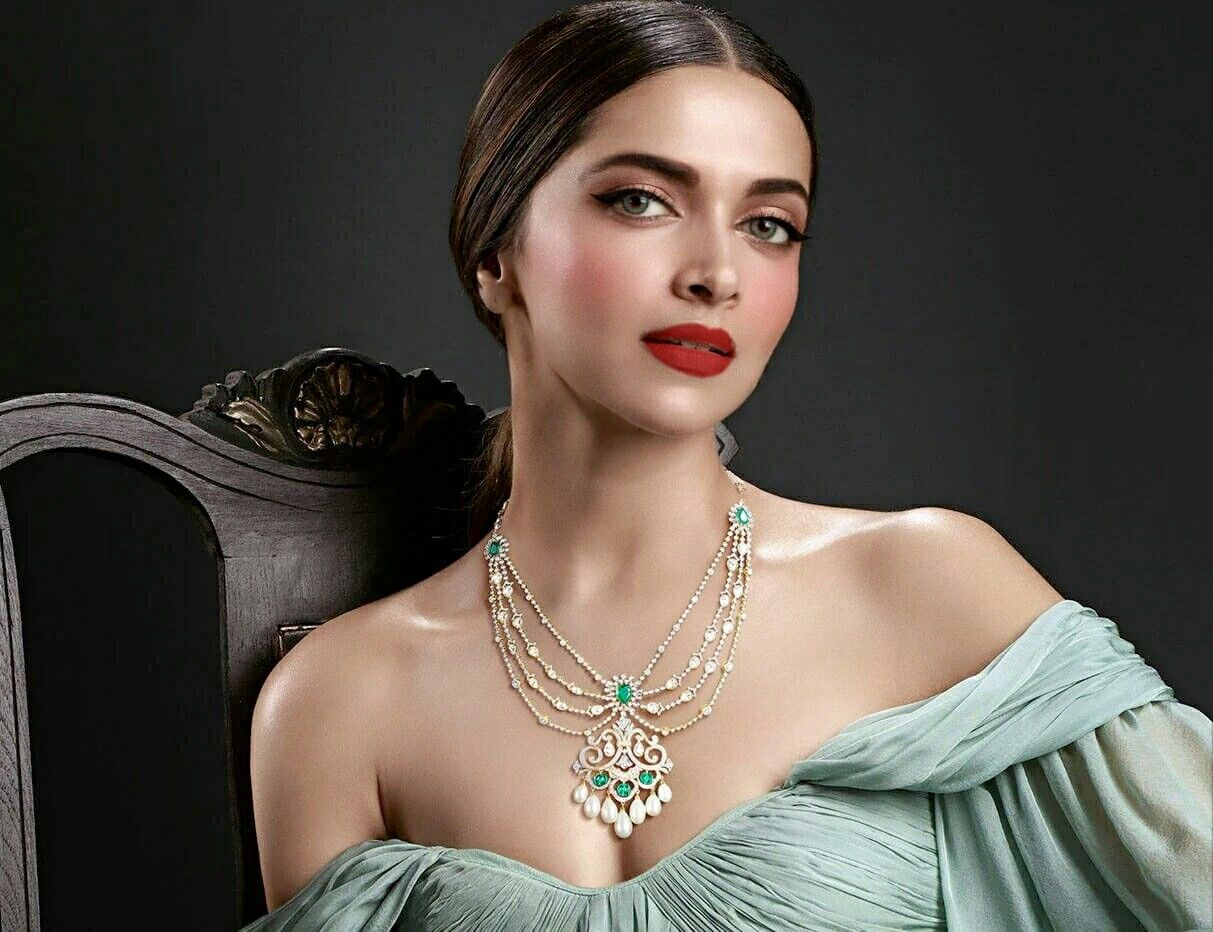 Edited Deepika Padukone | Tanishq jewellery, Bridal ...