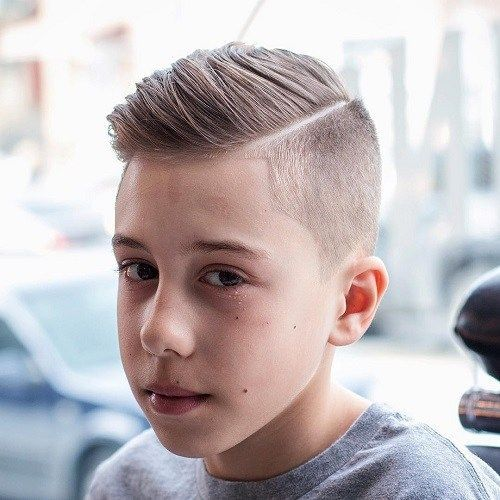 Boys Side Part Hairstyle Teenager Haarschnitt Haarschnitt Kinderhaarschnitte